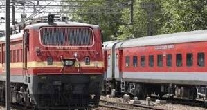 RRC Recruitment 2021: रेलवे में निकली बंपर भर्ती, 10वीं पास कर सकते हैं आवेदन